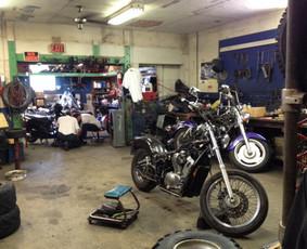 Motociklų, motorolerių taisymas.