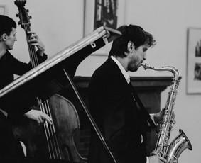 Saksofonistas/Profesionalių muzikantų grupė