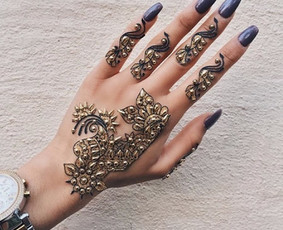 Henna tatuiruotes