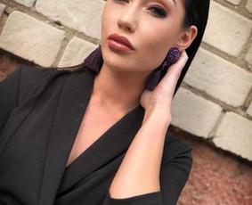 SS Makeup artist