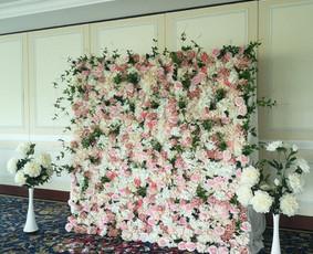 Šampano staliukas, gėlių fotosienos švenčių dekoracijų nuoma