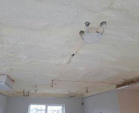 Atliekame įtempiamų lubų montavimo darbus