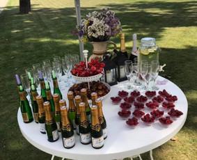 Šampano staliukas Jūsų šventei!