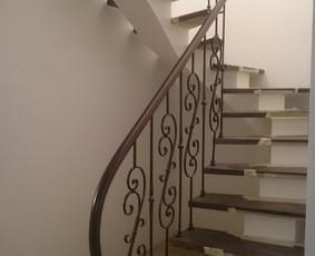 Laiptai, tureklai ir kiti metalo gaminiai.
