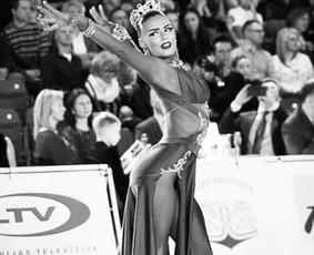 Profesionali sportinių šokių šokėja