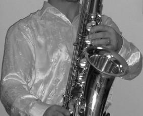 Saksofono muzika. Saksofonistas.