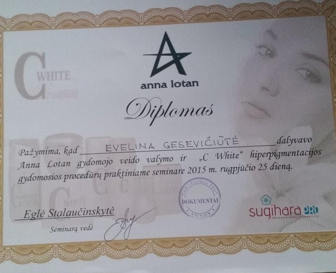 """Kvalifikacijos kėlimo seminaras """"Sugihara"""" sertifikatas """"Anna Lotan"""" gydomasis veido valymas ir """"C white"""" hiperpigmentacijos gydomosios procedūros praktinis seminaras"""