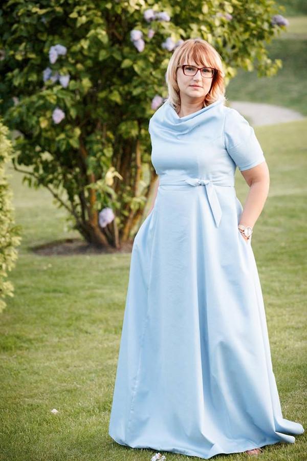 Individualia pasiūta suknelė