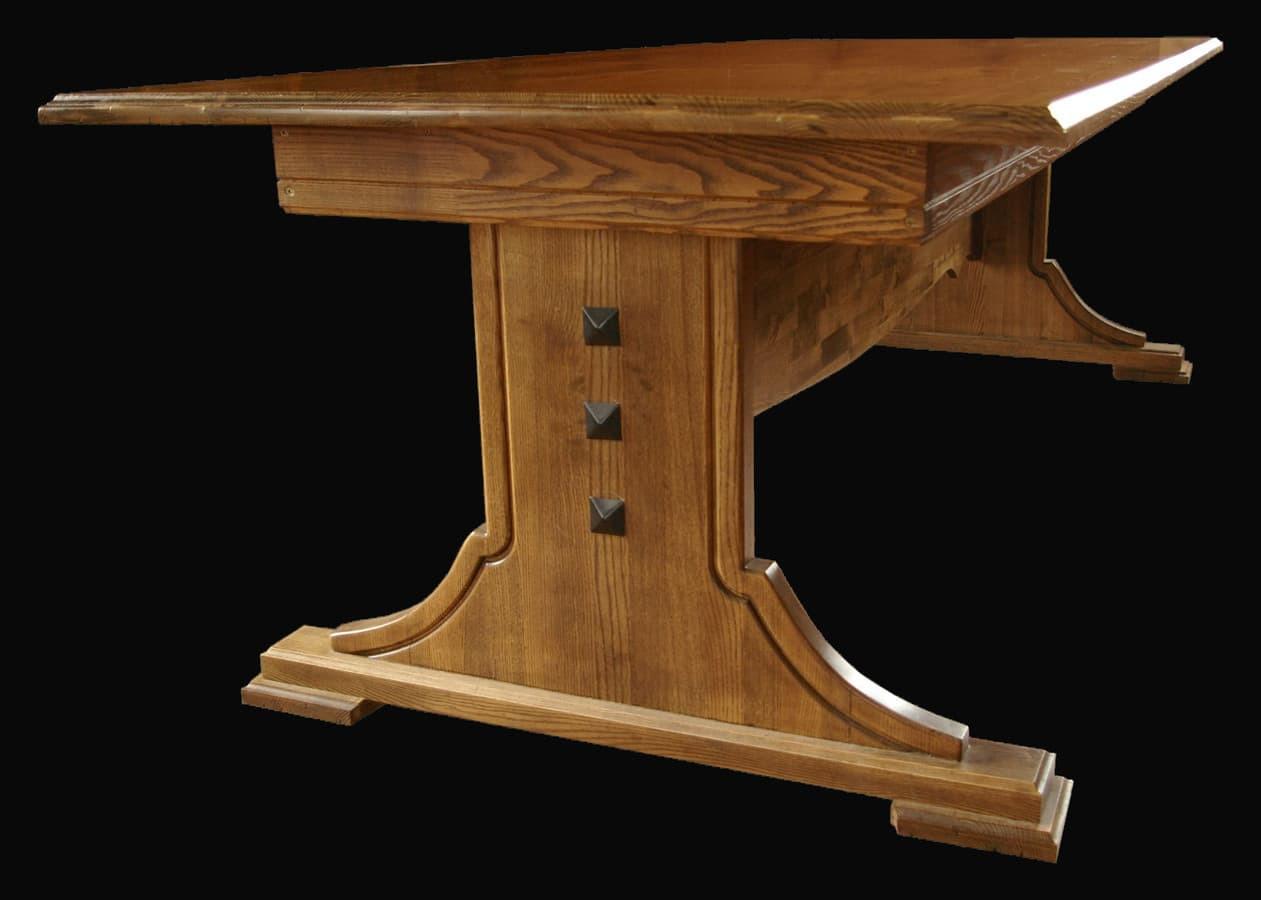 Pietų stalas. https://sites.google.com/view/jblinterjeras/stalai/pietų-stalas