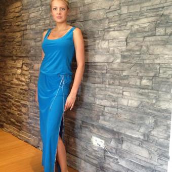 Mesva suknelė.Audinys- sintetinis elastinis trikotažas. Dydžiai ; Ugis apie 168 cm. 36 Kr-84, L-66, Kl-90. 38 Kr-88, L-70, Kl-94. 40 Kr-92, L-74, Kl-98.