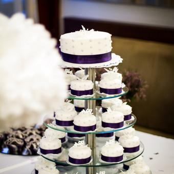 Vienas saldžiausių galvosūkių prieš vestuves – kokį tortą užsisakyti. Vieniems svarbios tendencijos , kitiems ne. Mums svarbiausia - Jūsų norai, o kompromisą tikrai rasime.