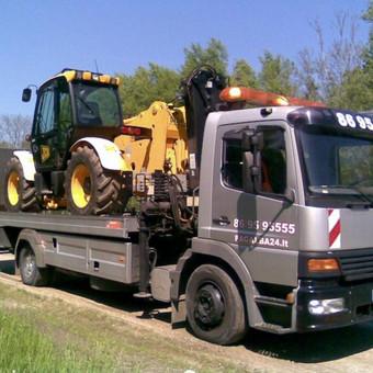 Ūkio technikos, traktorių pervežimas
