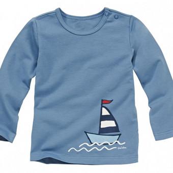 Medvilniniai marškinėliai berniukams, tinka ir mergaitėms. Aprašymas: Trikotažinė medžiaga sertifikuota Oeko-Tex®. Priekyje nuotaikingas marginimas. Patogiai susisega spaudėmis. Medžia ...