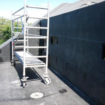 Sudėtingų konstrukciju balkonų hidroizoliacija, naudojant Firestone EPDM membraną. Pilnai klijuojama sistema.