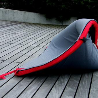 Foteliukas-transformeris,visiskai naujas gaminys (patentavimo stadijoj) sitas gaminys gali virsti ciuzinuku,dviem mazais foteliukais ,krepsiu ar vaiko užuovėja miego metu.(Priimu uzsakymus)