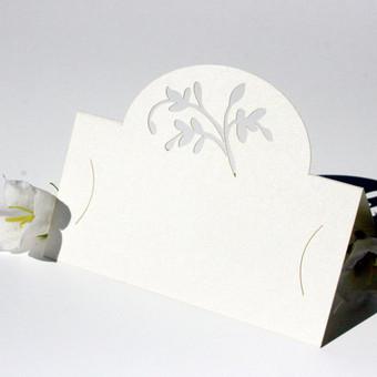 lazeriu pjaustytos stalo kortelės