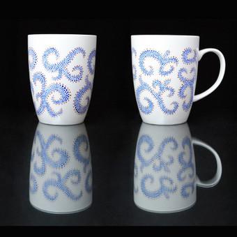 Rankų darbo dekoruoti porcelianiniai puodeliai. Galima plauti indaplovėje. Priimami užsakymai.