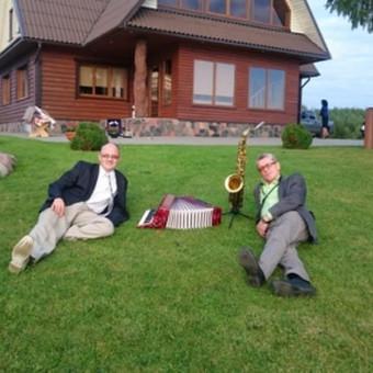 Vedame, organizuojame, grojame vestuvėse, šventėse  ir pokyliuose- visur, kur žmonės linksminasi!!!