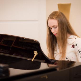 Pianistė Justė Kazakevičiūtė / Justė Kazakevičiūtė / Darbų pavyzdys ID 430715