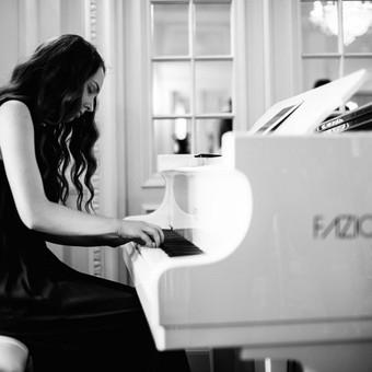 Pianistė Justė Kazakevičiūtė / Justė Kazakevičiūtė / Darbų pavyzdys ID 430719