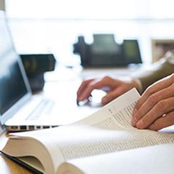 Akademinio teksto pertvarkymas taip kad tekstas įgautų originalų pavidalą.