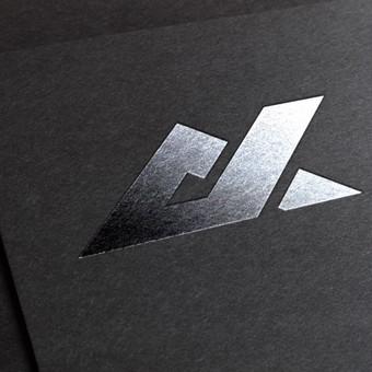 Aukštaitijos kasybos logotipo vizualizacija: sidabro įspaudo efektas