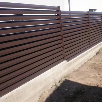 Žaliuzinės tvoros montavimas