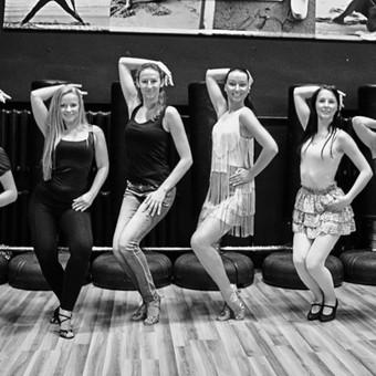 Smagus laikas mergvakario metu - šokių pamoka norima tematika Jums.