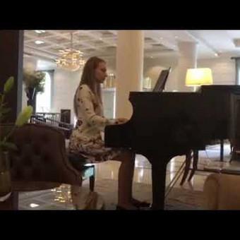Pianistė Justė Kazakevičiūtė / Justė Kazakevičiūtė / Darbų pavyzdys ID 465403