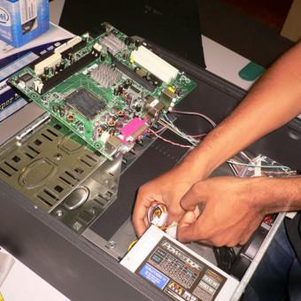 Taisome visų gamintojų stacionarius kompiuterius. Atliekame kompiuterio diagnostiką nemokamai ir nustatome gedimo priežastis bei aptariame su klientu galimus taisymo variantus.