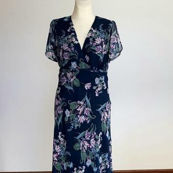 Pagal individualius matmenis sukurta ir pasiūta suknelė vasarai