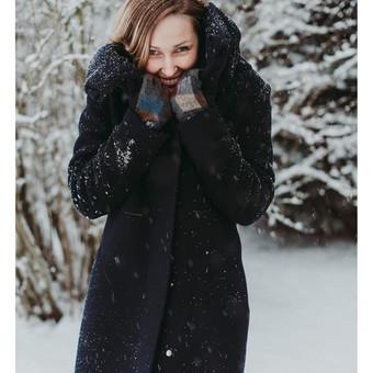 Pagal individualius matmenis sukurtas ir pasiūtas žieminis paltas su vilnoniu pašiltinimu.