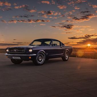 Automobilio nuoma jūsų šventei, fotosesijai ar kitai progai.