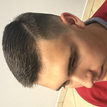 Vyriski kirpimai ir barzdu modeliavimas,skutimas / Loreta / Darbų pavyzdys ID 515051