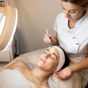 Kosmetinės veido procedūros pagal odos tipą ir būklę.