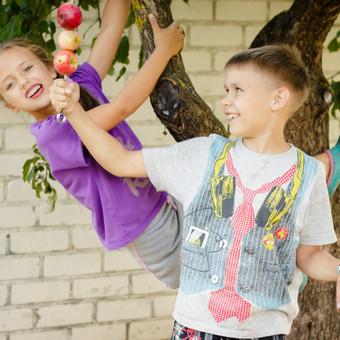 Gabrielės ir Šarūno obuolių pasaka (šeimos fotosesija)