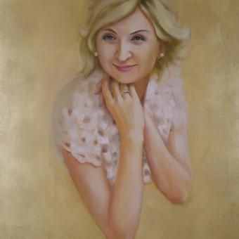 Portretas tapytas iš nuotraukos aliejiniais dažais ant aukso folija padengtos drobės. 90x65 cm