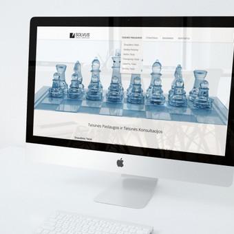 Lengvas, solidus ir šviesus svetainės dizainas ir logotipas teisines paslaugas teikiančiai įmonei SOLVUS.