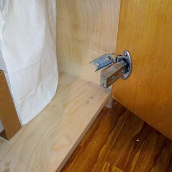 Dažnai tenka remontuoti / atstatinėti senų baldų vyrius