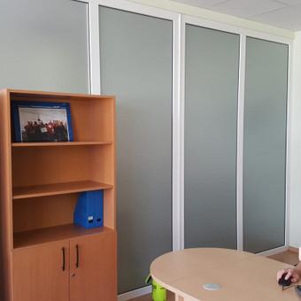 Ofisu stiklu apipavidalinimas