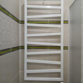 Elektrinio radiatoriaus kabinimas. Nesvarbu koks paviršius: metalas, medis, plytelės, mūras...