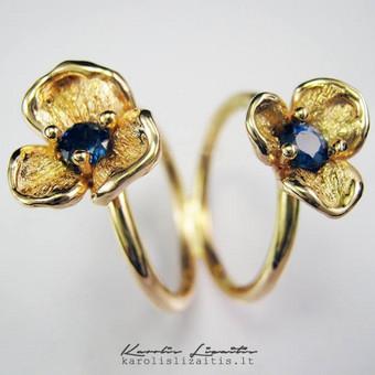Žiedas autorinė juvelyrika, auksas 585 prabos , safyrai.
