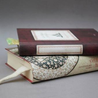 Veltas knygų skirtukas