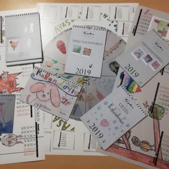 Iš vaikų piešinių sukurti įvairaus tipo vienetiniai kalendoriai. 2019m.