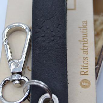 Stilingi raktų pakabukai,  Raktų pakabukas iš natūralios odos. Facebook: ritos atributika