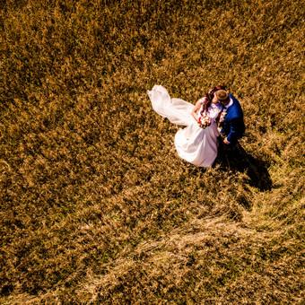 Vaizdas kitaip - vestuvių filmavimo/fotografavimo paslauga naudojant profesionalius dronus