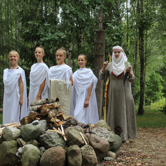 Renginių ir lietuviškų apeigų vedėja, atlikėja Skalsa Daiva / UAB Kruenta / Darbų pavyzdys ID 606125