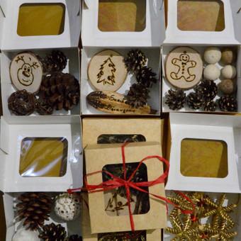 Kalėdinių dekoracijų rinkiniai nuo 1 Eur