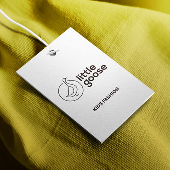 """""""Little goose"""" Tai originalių ir kokybiškų vaikų aprangos ir stilizuotų prekių butikas, suteikiantis išskirtinę apsipirkimo patirtį vaikams ir jų tėvams."""