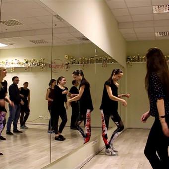 Salsa Bachata Solo Latino Vestuvinių Šokių Pamokos / Šokių studija Mambita / Darbų pavyzdys ID 622603